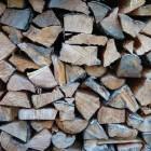 Hoe kom ik aan kachelhout of haardhout?