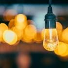 Een lamp ophangen
