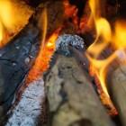 Veilig en verantwoord stoken op hout in de haard