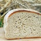 Een broodbakmachine: de voor- en nadelen op een rij
