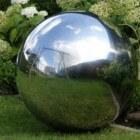 Heksenbol - tuinspiegel of spiegelbol en symbool
