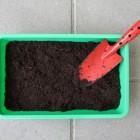Kweekbakken voor kweken van groenten, bloemen en planten