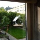 Een raamvoederhuis voor tuinvogels – haal vogels dichtbij