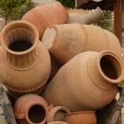 Terraspotten en bloembakken van Toscaans aardewerk