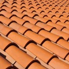Welke voordelen biedt dakbedekking met kleidakpannen?