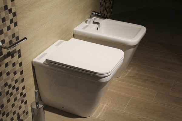 Zelf klussen in huis een toilet of wc verbouwen huis en tuin