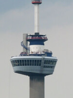 Euromast in Rotterdam / Bron: Compro, Wikimedia Commons (Publiek domein)